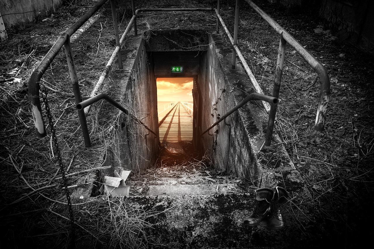 Gemeinsam einsam Fluchttunnel